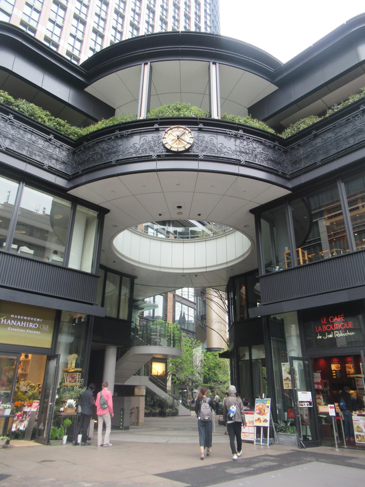 丸の内ブリックスクエアの入り口