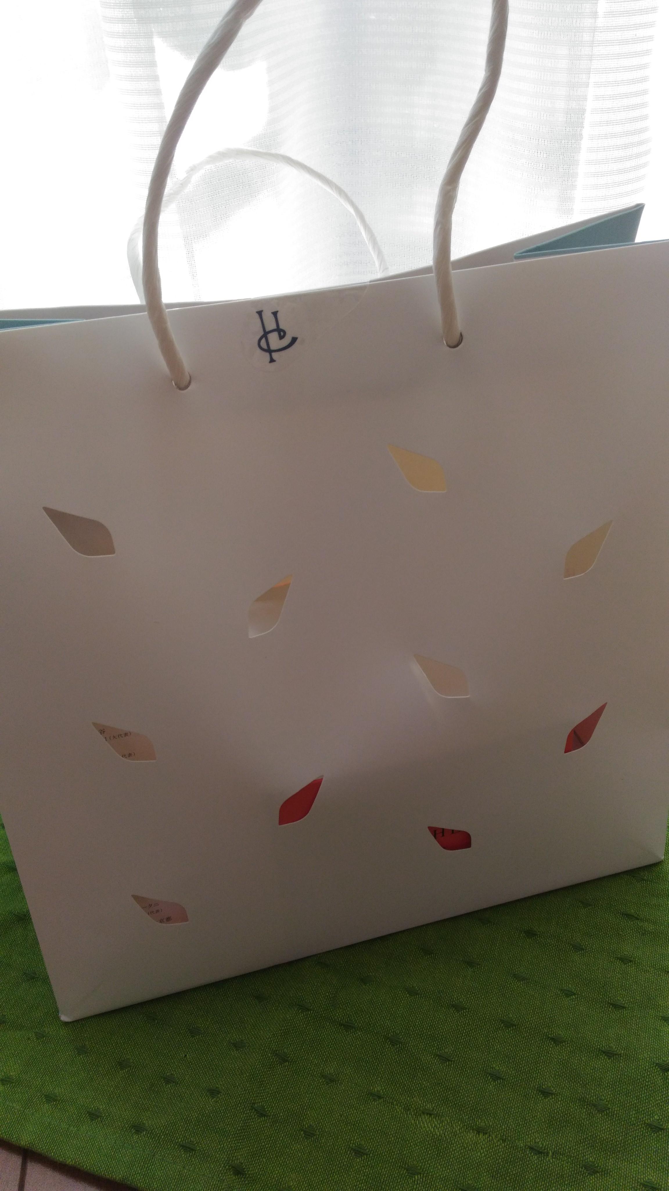 ピエール・エルメ・パリの袋