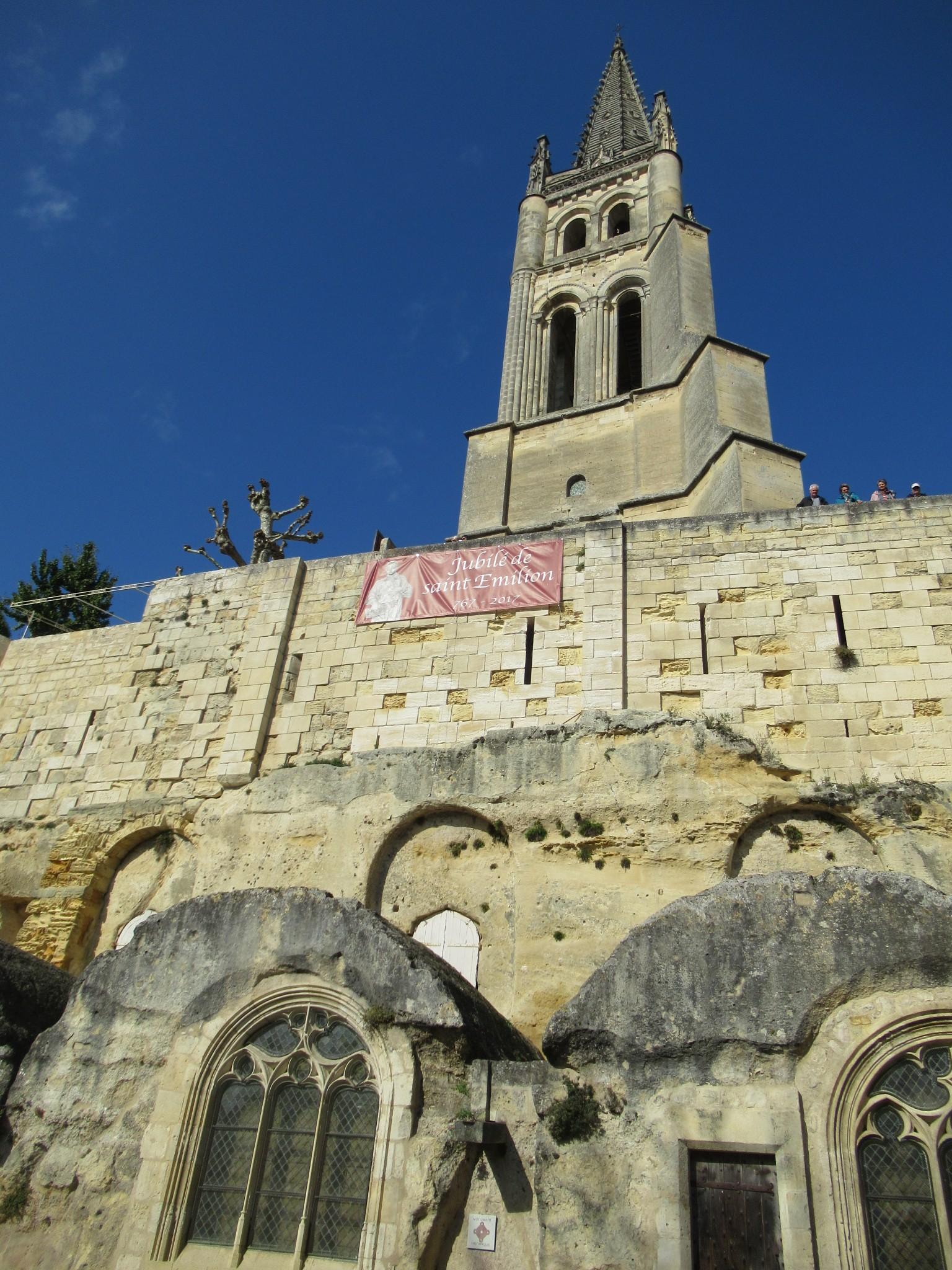 サンテミリオンの大聖堂