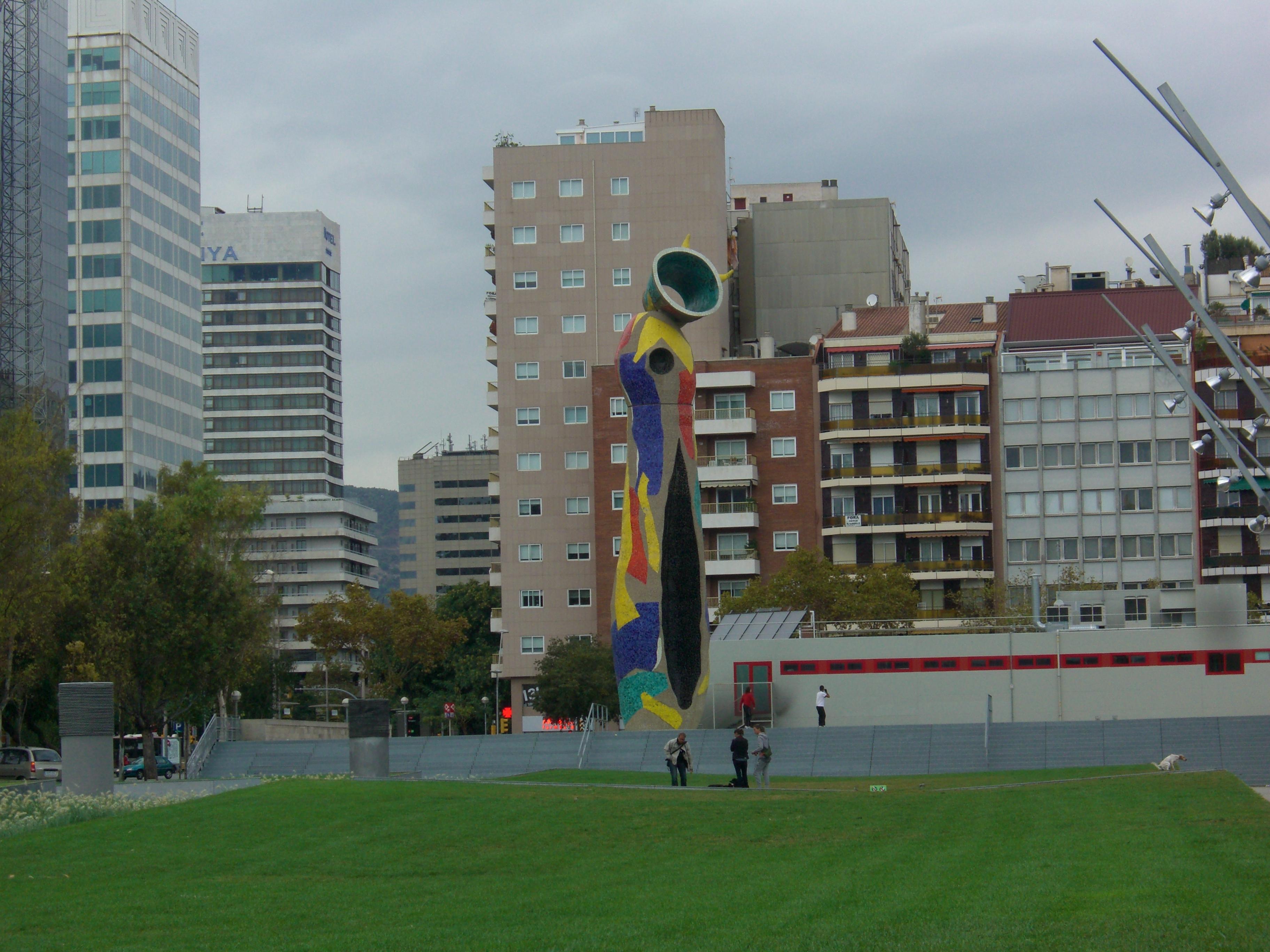 バルセロナ市内にあるミロのパブリックアート