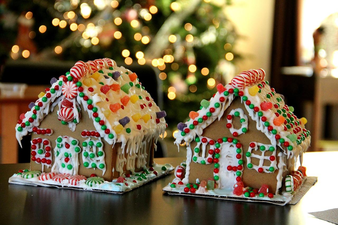 クリスマスシーズンのお菓子の家